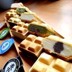 Monaka (最中) or Icecream Sandwich @Kyo Roll En