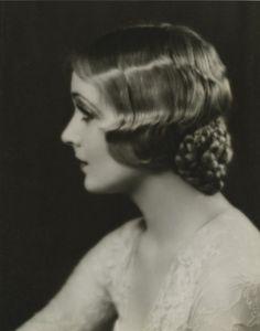 Carole Lombard, 1920s (Wm E. Thomas) #hairstyle #moviestar #1920s