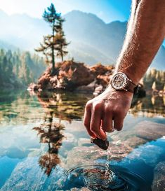 A sunny day at a mountain lake. No word needed for this picture! Automatic Watches For Men, The Mountains Are Calling, Mechanical Watch, Nature Pictures, Wood Watch, Sunny Days, In This Moment, Luxury, Stuff To Buy