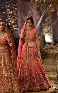 Indian Bridal Outfits, Indian Bridal Lehenga, Indian Bridal Fashion, Indian Bridal Wear, Indian Dresses, Asian Fashion, Bridal Dresses, Flapper Dresses, Fashion Goth