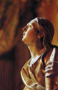 El Arte Barroco en España y Portugal  Henri y Anne Stierlin  Esta santa, elegida entre las que rodean el Sagrario de la Cartuja de Granada, personifica la intensidad de la elevación mística. Granada (1704-1720), España. $45