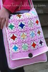 Over 150 free crochet bag patterns.bGrannys Messenger Bag