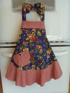 Apron/ Womens Apron/ Reversible Apron/ Retro Apron/ Handmade Apron V-… Retro Apron, Aprons Vintage, Sewing Aprons, Kids Apron, Dress Outfits, Girls Dresses, Potholders, Trending Outfits, Clothes