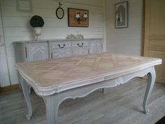 Ideas diy home decor rustic vintage shabby chic dining rooms Painting Old Furniture, French Furniture, Diy Furniture, Shabby Chic Dining Room, Dining Room Paint, Dining Rooms, Furniture Restoration, Vintage Shabby Chic, Rustic Decor