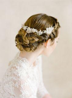 Elegant Vintage Inspired Bridal Updo Photography: KT Merry - ktmerry.com