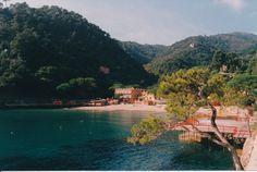 Portofino, la spiaggia di Paraggi / Paraggi Beach (Azienda di Promozione Turistica del Tigullio, 1998)