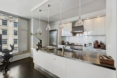An Elegant Apartment in Tribeca | HomeDSGN, a daily source for inspiration and fresh ideas on interior design and home decoration.