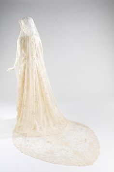 Wedding veil, 1875. The Metropolitan Museum of Art, New York. Brooklyn Museum Costume Collection at The Metropolitan Museum of Art, Gift of the Brooklyn Museum, 2009; Gift of Mrs. S. Park Cleveland, 1970 (2009.300.2597)