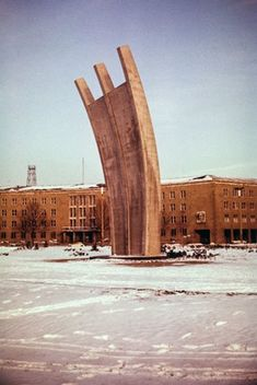 Cold War camera: 1950s Berlin in color. The 'hunger rake' memorial at Templehof Airport. The memorial commemorates the Berlin Airlift of 1948/9 when allied aircraft kept West Berlin supplied by air, to break a Soviet blockade