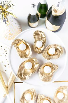 So excited to welcome @pizzazzerie to our group board, Inspire Me! Check out her  Champagne truffles on gold shells get a 10/10 for taste and presentation!