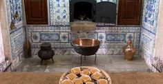"""Discover the secrets and flavours of Portugal's typical conventual pastry, the famous Portuguese """"doçaria conventual"""". Note down what you should try in every part of the Lisbon region. E Design, Lisbon, Egg Yolks, Traditional, 15th Century, Palaces, Brazil, Desserts, Eggs"""
