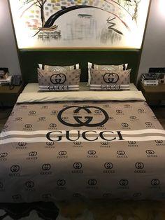 Classic New Design Duvet Cover Queen Bedding Sets Luxury Comforter Sets Queen, Red Bedding Sets, Bedroom Comforter Sets, Black Bedding, Gucci Bedding, Queen Size Bed Sets, Bed Sheet Sets, Stores, Bed Design