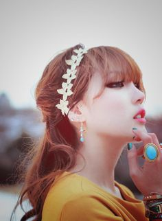 PONY (ulzzang) - Photos discovered by HyunAlie Kim Beauty Makeup, Hair Makeup, Hair Beauty, Pony Korean, Korean Girl, Pony Makeup, Korean Makeup Tips, Japanese Hairstyle, Uzzlang Girl