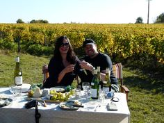 If you wish to escape from the city and enjoy #Loire_Valley delicacies, why not have a tasting in the middle of the vineyards with #RiverLoire?
