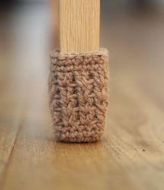 Gray,Table Legs Cover - 21 DIY Chair Leg Protectors – Cute Furniture Protectors - home diy tips,home diy tips and tricks,home tips diy everywhere Pot Mason Diy, Mason Jar Crafts, Diy Hanging Shelves, Floating Shelves Diy, Diy Home Decor Projects, Diy Projects To Try, Sewing Projects, Chaise Diy, Chair Socks