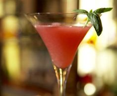 Pretty in Pink, with cointreau, vodka and grapefruit juice.