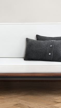 Create a luxury hotel style with our new home collection in sober colours and high-end fabrics.   H&M Home
