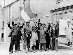 """GI AND THE FRENCH PEOPLE IN """" VIVA LA FRANCE """" !!!!"""