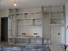 Fotografía di Mobile in cartongesso publicata da Max Tinteggiature #89943 prima fase di costruzione, telaio mobile per sala
