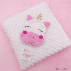 c1d7840190d21 Couverture bébé personnalisée et son doudou licorne cadeau de naissance tissu  minky douillette