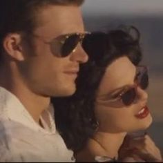 """The theory that proves Calvin Harris was secretly in Taylor Swift's """"Wildest Dreams"""" Video = MIND BLOWN"""