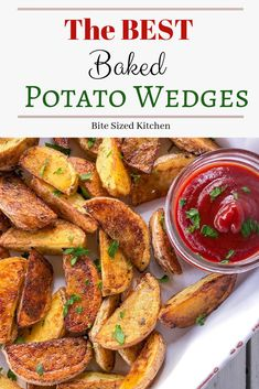 The BEST Baked Potato Wedges Easy healthy roasted potato wedges baked in the oven! These are so simple and quick you will make these your go-to recipe every dinner! Homemade and super fluffy inside. Yukon Gold potatoes are the best choice here. Best Potato Wedges, Homemade Potato Wedges, Seasoned Potato Wedges, Baked Potato Wedges Oven, Roasted Potato Wedges, Oven Baked, Yukon Potatoes, Potatoes In Oven, Gastronomia