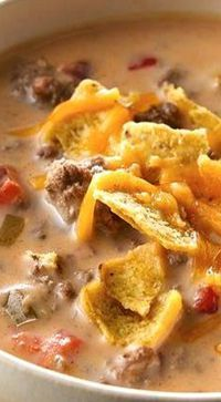 Beefy Nacho Soup Recipe quick and easy meals Healthy Soup Recipes, Mexican Food Recipes, Crockpot Recipes, Chili Recipes, Beef Soup Recipes, Delicious Recipes, Vegetarian Recipes, Nacho Soup Recipe, Soup And Sandwich