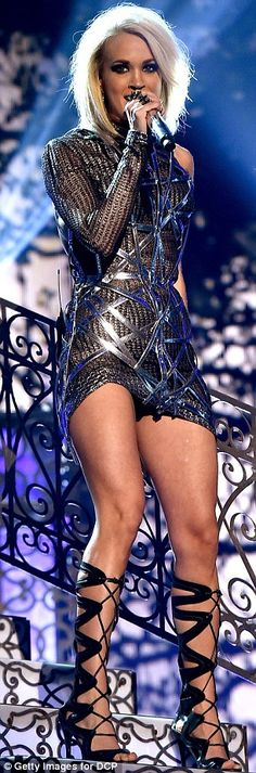Carrie Underwood shows off her toned thighs at ACM Awards performance American Idol, I Love Girls, Hot Girls, Beautiful Celebrities, Beautiful People, Beautiful Legs, Beautiful Women, Stage Outfits, Cool Outfits