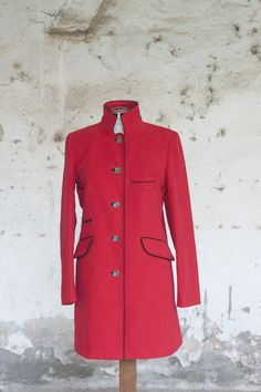 """Cappotto """"Viareggio"""" con profili in piping Overcoat with profiles piping"""