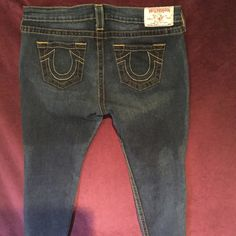 True Religion Skinny Jean Like new condition, lots of stretch and light weight. Very flattering on! True Religion Jeans Skinny