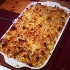 JAMIE'S 30 MINUTE CAULIFLOWER MACARONI CHEESE - very yummy! not a super cheesy macaroni, but with tones of flavour. instead of the olive oil in the topping, i used the fat from the pancetta, and there was tones of flavour! not necessarily heart healthy though!