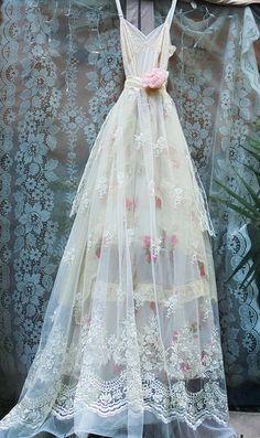 Lace roses dress wedding cream ivory cream floral romantic