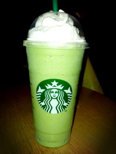 Green tea frappe with raspberry. Order a green tea Frappuccino with 10 pumps of . Green tea frappe with raspberry. Order a green tea Frappuccino with 10 pumps of raspberry. Green Tea Frappucino Starbucks, Starbucks Tea, Secret Starbucks Drinks, Starbucks Green, Frappuccino, Frappe, Green Tea Drinks, Green Tea Latte, Green Tea Benefits