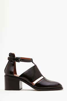 Cutout Boot