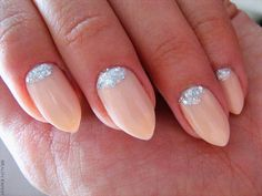 Such elegant reverse french manicures