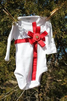 Christmas Bodysuit-onsie. $20.00, via Etsy.
