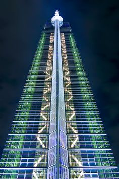 Fukuoka Tower - Japan (photo by Jason Teale) City Architecture, Futuristic Architecture, Contemporary Architecture, Amazing Architecture, Architecture Details, Nagoya, Osaka, Amazing Buildings, Modern Buildings