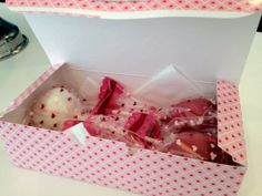 Valentine's Day Cake Pop Gift Box by OliviasBakeShop on Etsy, $12.95 Great gift and great price!