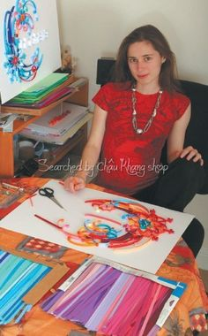 Yulia at work- Quilling © Yulia Brodskaya (Searched by Châu Khang)