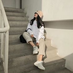 movie date outfit Korean Fashion Trends, Korean Street Fashion, Korea Fashion, Asian Fashion, Look Fashion, Fashion Outfits, Fashion Images, 70s Fashion, Vintage Fashion