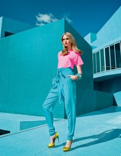 Portuguese soul @ Vogue Portugal by Frederico Martins, via Behance Modern Photography, Editorial Photography, Fashion Photography, Vogue Portugal, Le Management, Mood Images, Pink Turquoise, Kardashian Style, Poses