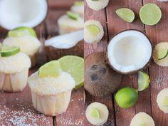 In der einen Hand ein kühles Getränk mit Schirmchen und Strohhalm und in der anderen Hand einen sommerlichen Kokos-Limetten-Cupcake! S...