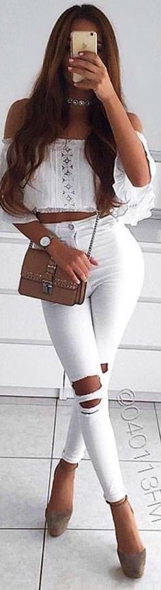 #spring #outfits woman in white floral off-shoulder shirt with white denim jeans. Pic by @styleactive