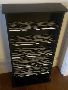 Things I have crafted or refurbished: animal print furniture I painted Zebra Print Bedroom, Zebra Room Decor, Diy Bedroom Decor, Diy Home Decor, Bedroom Ideas, Bedroom Designs, Zebra Bedding, Zebra Bedrooms, Animal Print Rooms