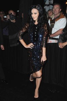 Katy Perry Photos Photos - Katy Perry attends the Sonia Rykiel Pret a Porter show as part of the Paris Womenswear Fashion Week Spring/Summer 2010 at Boutique Rykiel on October 4, 2009 in Paris, France. - Sonia Rykiel - Paris Fashion Week Spring/Summer 2010