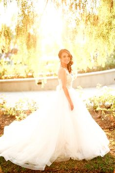 Ball Gown Bride's Dress | Photo: ProudRad