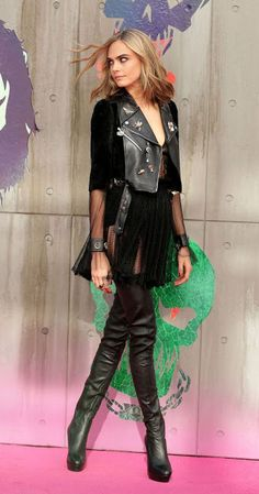 Model edgy look | Pleated skirt, leather jacket and over the knee boots