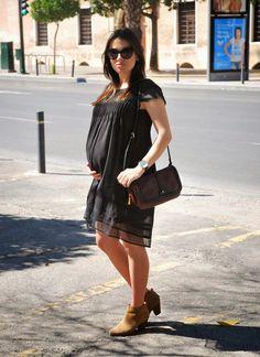 BlackDress Pregnant Style
