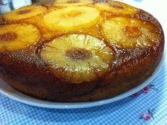 Aprenda a fazer Bolo de ananás com calda de maneira fácil e económica. As melhores receitas estão aqui, entre e aprenda a cozinhar como um verdadeiro chef.
