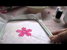 Free Standing Lace (FSL) Tutorial for Small Embroidery Projects...save this for later.  She explains the se400 embroidery machine.